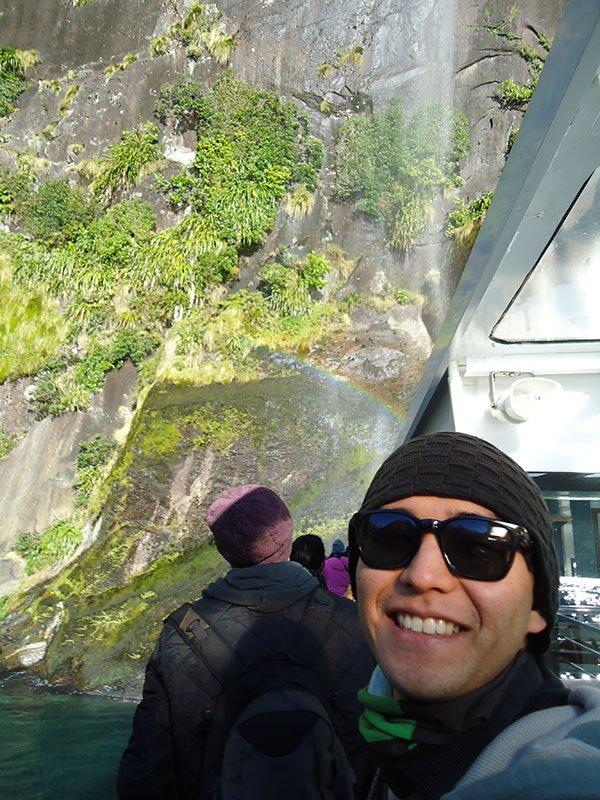Milford Sound nova zelandia barco cachoeira