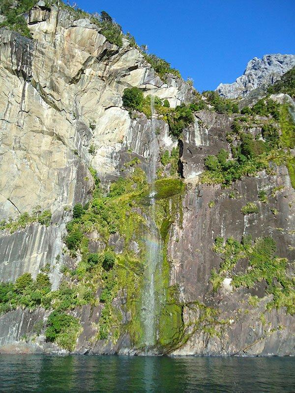 Milford Sound nova zelandia cachoeria veu da noiva