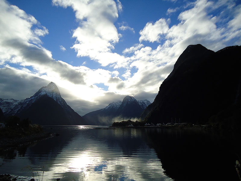 Milford Sound nova zelandia por do sol