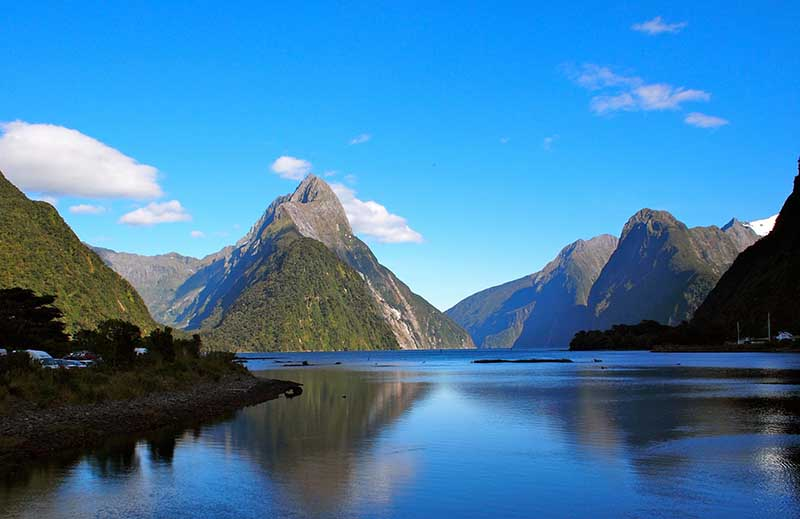 mitre peak nova zelandia milford sound tours
