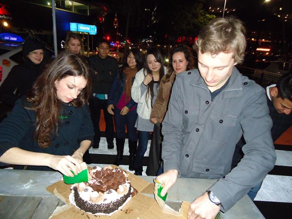 aniversario em auckland bolo