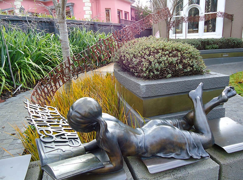 escultura bizarra christchurch