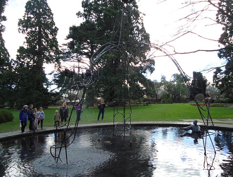 escultura bizarra jardim botanico nova zelandia