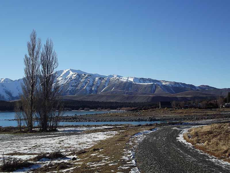 lake-tekapo-road-nova-zelandia-lago