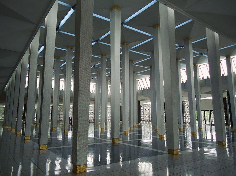 Atrações em Kuala Lumpur na Malásia mesquita nacional malaia 2