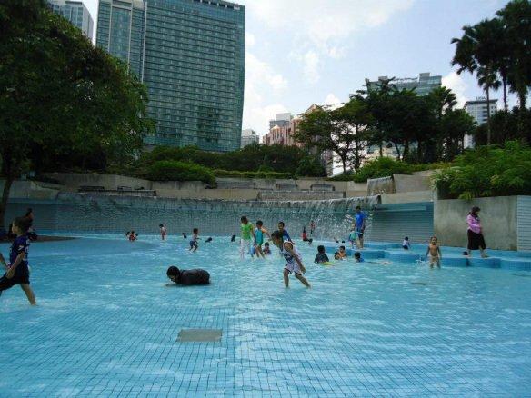 Atrações em Kuala Lumpur petronas towers praça 2