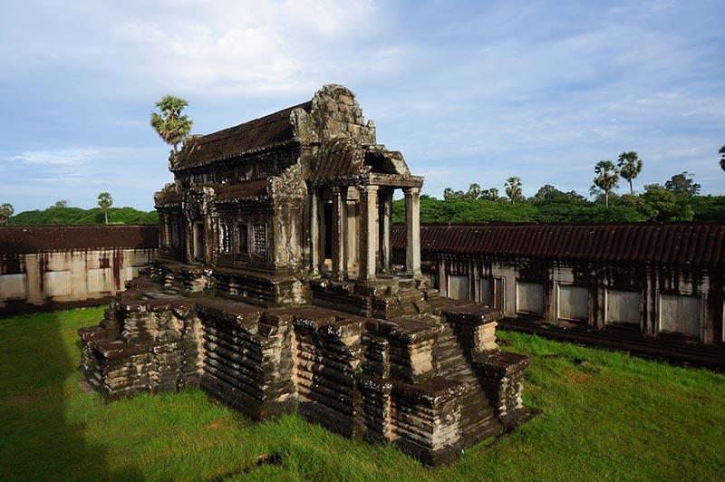 nascer-do-sol-em-angkor-wat-biblioteca