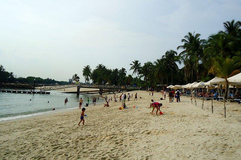 praia em cingapura sentosa