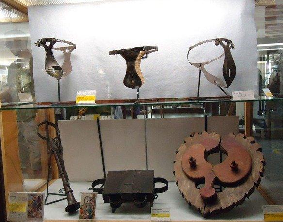 rothenburg-kriminalmuseum-mask-castidade