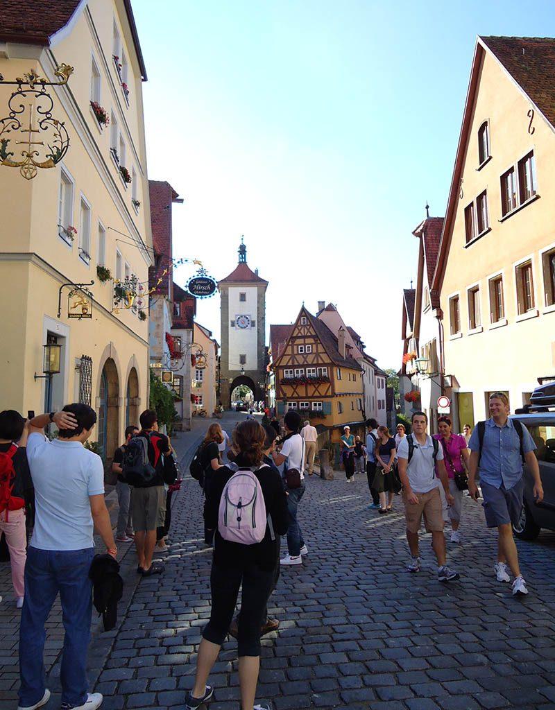 rothenburg ob der tauber cheia de gente
