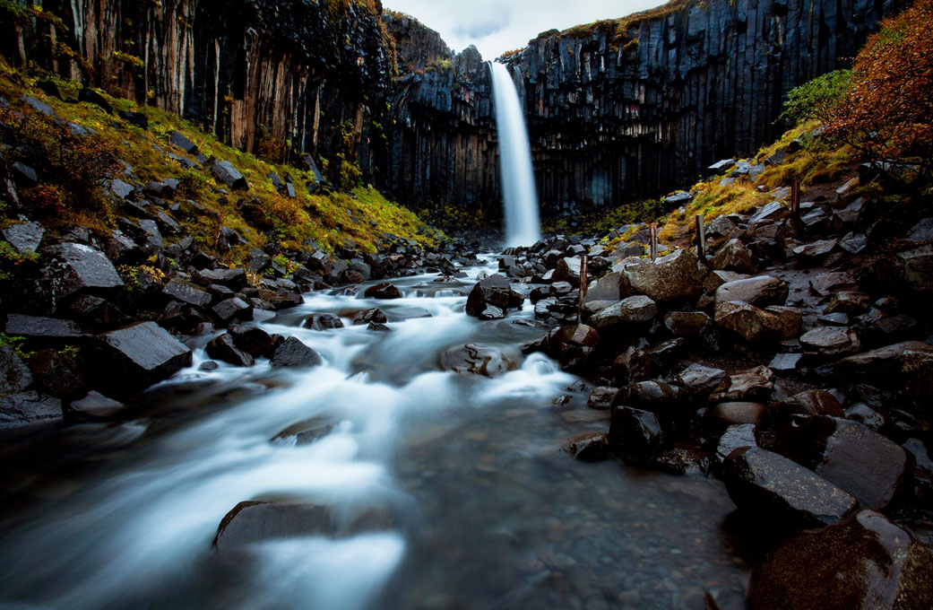fotos para amar a Islândia Litlanesfoss cachoeira basalto svartifoss