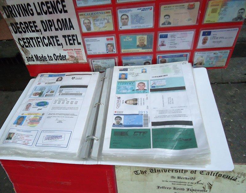 Khosan Road a rua sagrada para os mochileiros na Tailândia carteira motorista certificados