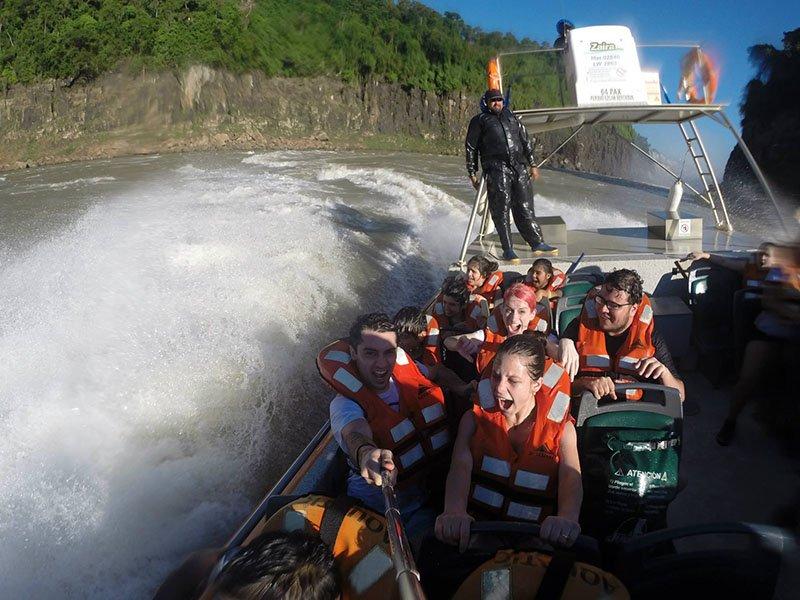 Mitando no Aventura Náutica iguazu nas Cataratas do Iguazú 3