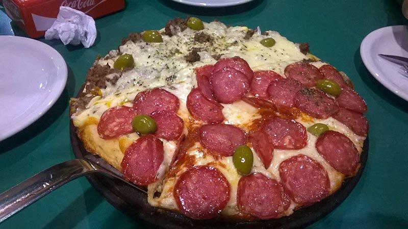Rolê em Posadas, Argentina pizzaria (2)