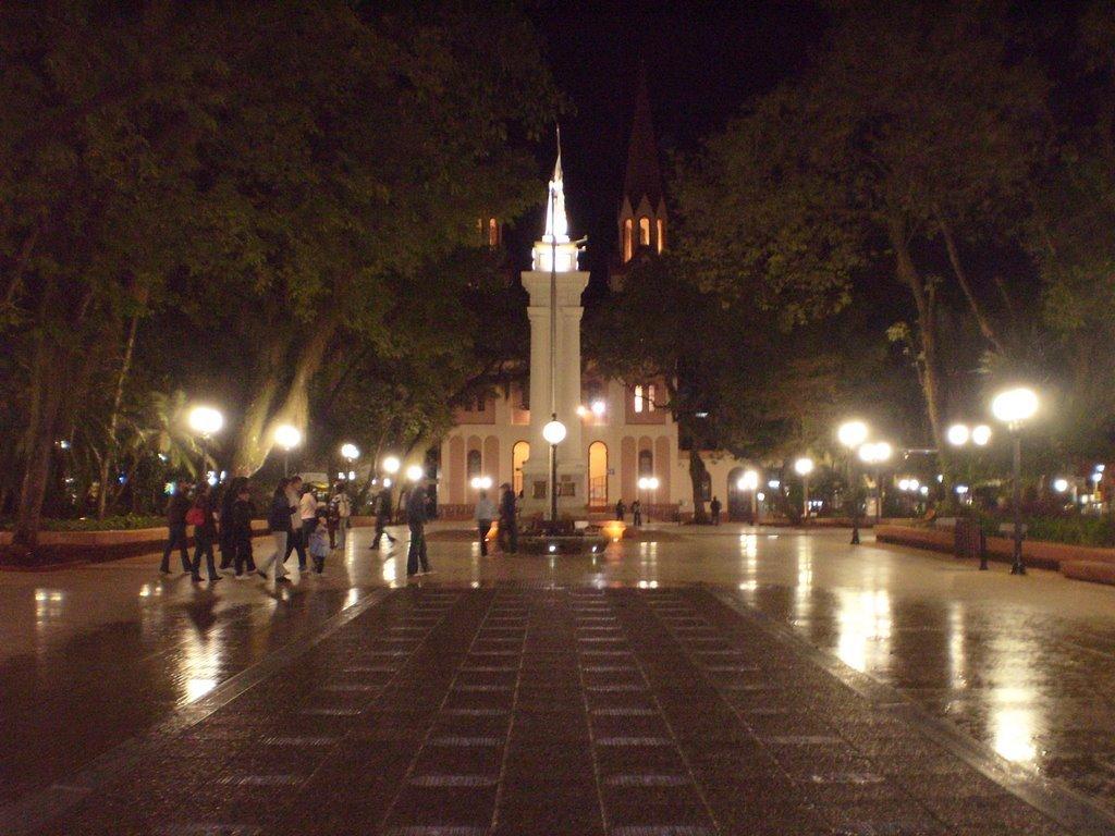 Rolê em Posadas, Argentina plaza 9 julio