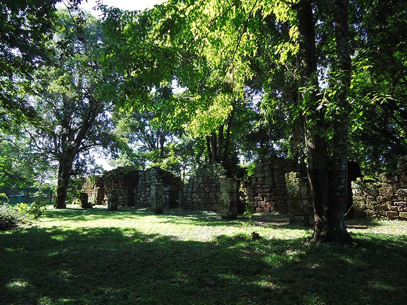 Ruínas jesuítas de San Ignácio Mini na Argentina kitinetes