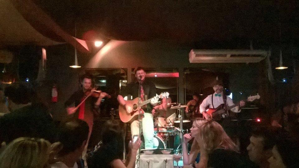 O bar de rock escondido em Piçarras, Santa Catarina (2)