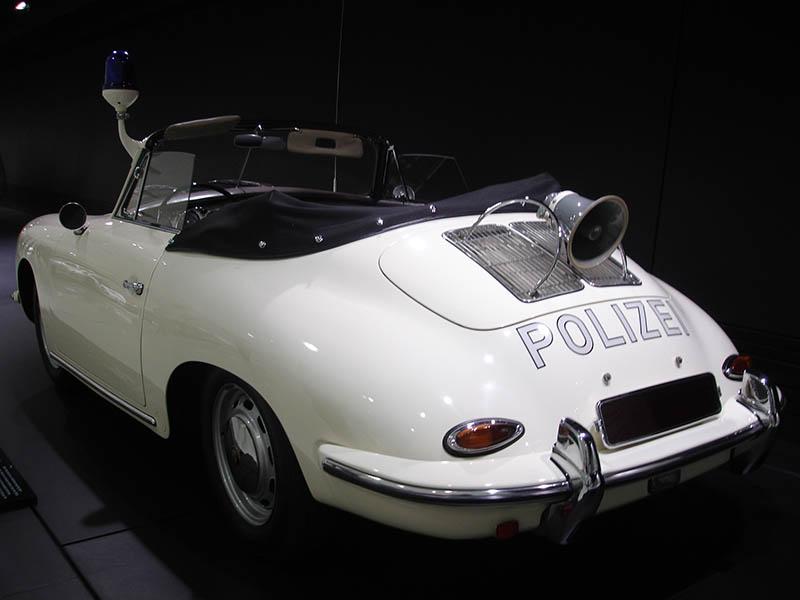 O museu da Porsche em Stuttgart (7)