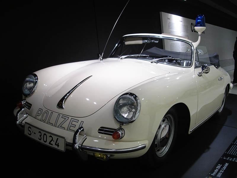 O museu da Porsche em Stuttgart (8)