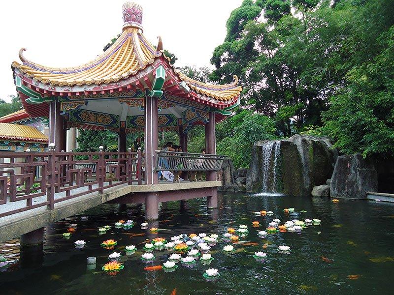 O-fantástico-templo-Kek-Lok-Si-em-Penang-Malásia (10)