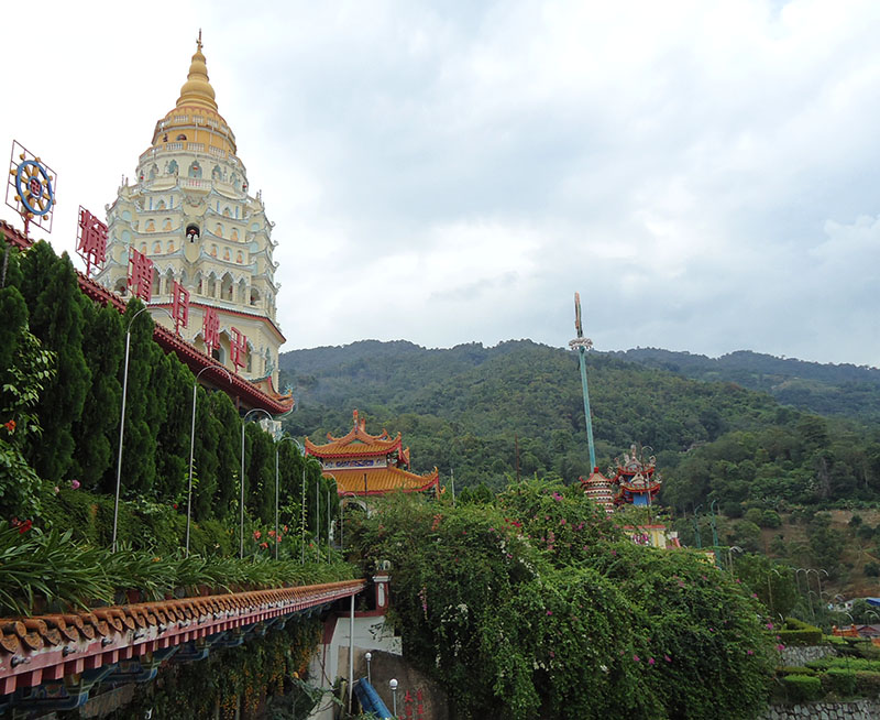O-fantástico-templo-Kek-Lok-Si-em-Penang-Malásia (4)