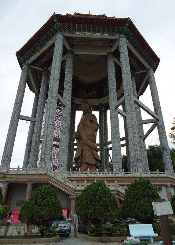 O-fantástico-templo-Kek-Lok-Si-em-Penang-Malásia (6)