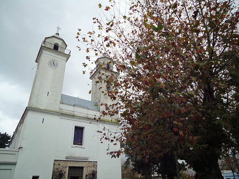 Colonia del Sacramento o que fazer uruguai igreja
