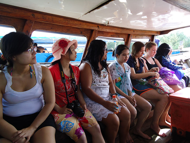 Tour 4 Islands em Krabi na Tailândia barco 2