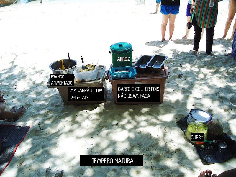 Tour 4 Islands em Krabi na Tailândia comida no barco