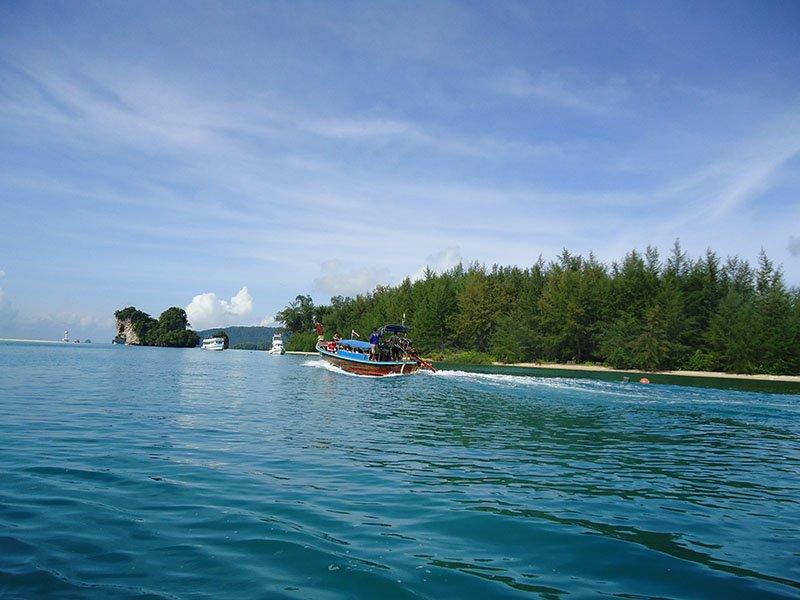 Tour 4 Islands em Krabi na Tailândia mar