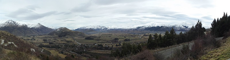 Arrowtown vila faroeste na Nova Zelândia panorama