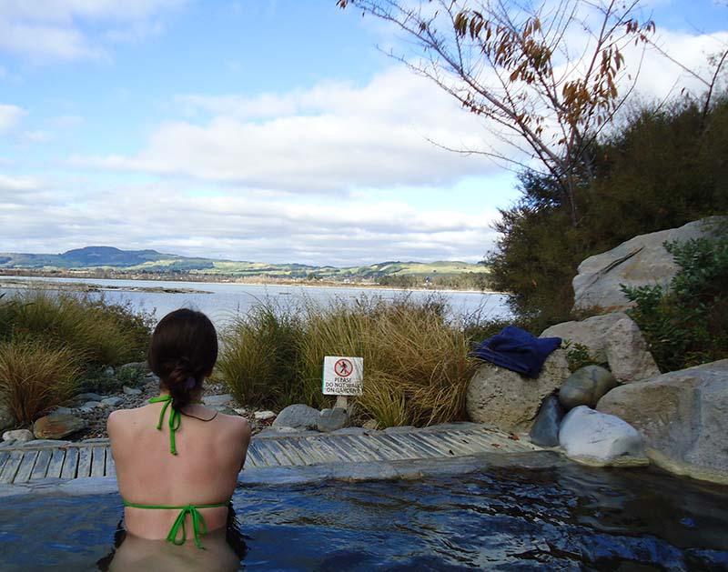 Polynesian Spa em Rotorua vista lago
