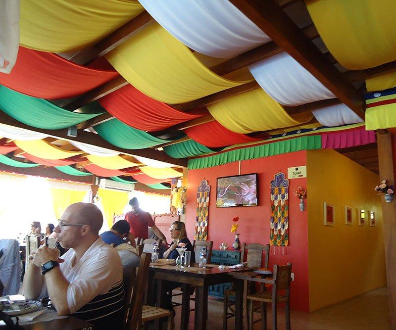 Restaurante tibetano em Três Coroas ambiente