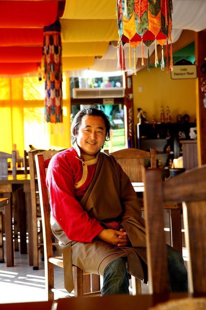tashiling ogen shak chefe restaurante tibetano