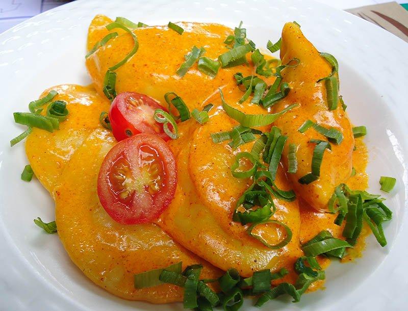 Onde comer em Curitiba Farnel Gastronomia pierogi