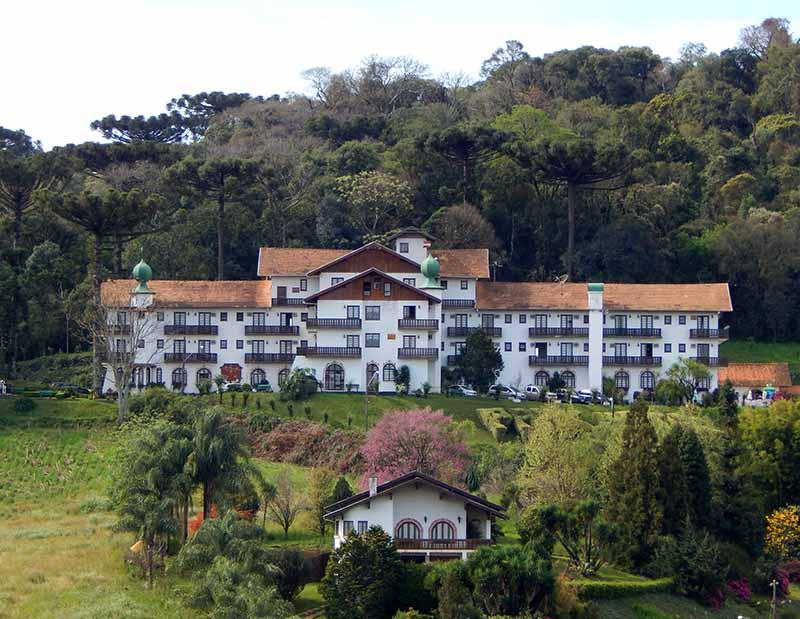 Treze-Tílias-Tirol-Brasileiro-hotel