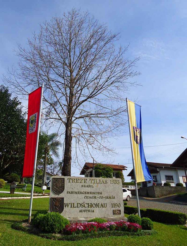 Treze Tílias o Tirol Brasileiro praça