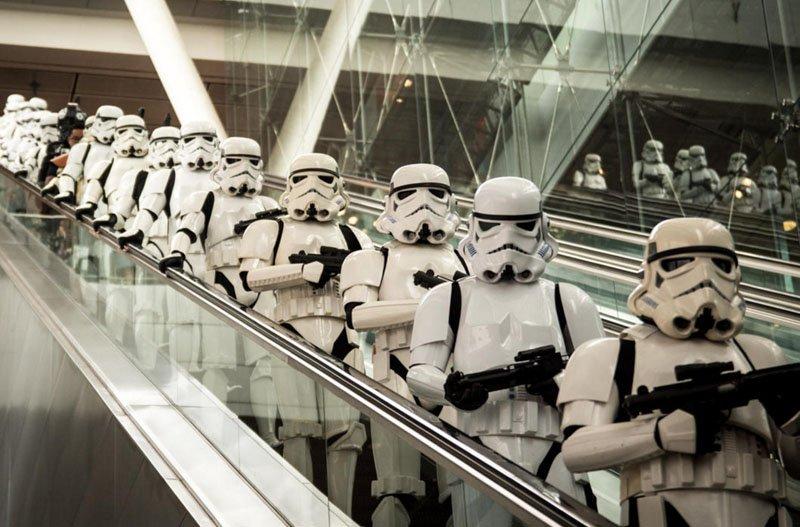 Por dentro do Avião Star Wars e aeroporto temático (5)