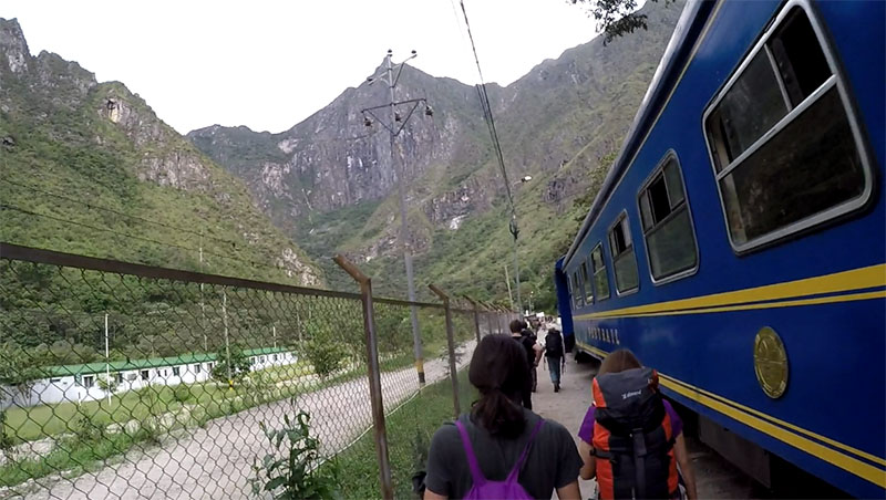 Machu Picchu barato caminho pela hidrelétrica trem