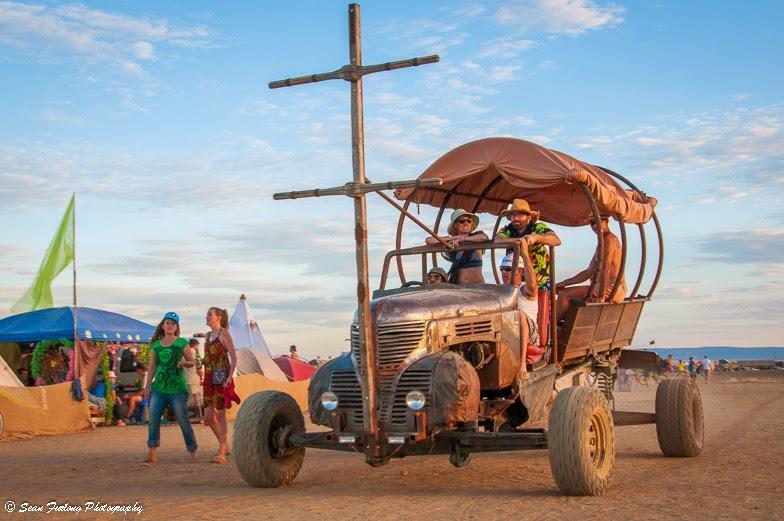 5 festivais alucinantes ao redor do mundo Afrikaburn Sean Furlong (3)
