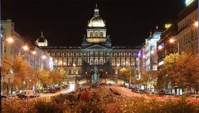 10 coisas para fazer de graça em Praga wesceslas square