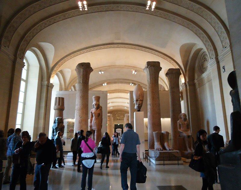 Antigo Egito no Museu do Louvre sala