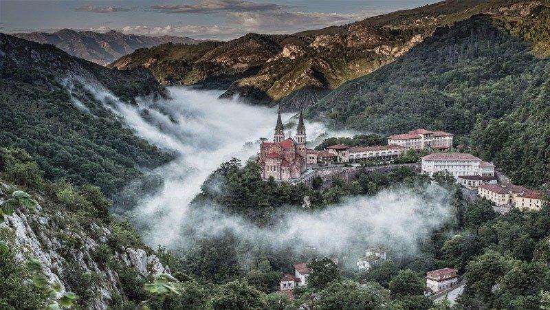 covadonga cidades nas montanhas na europa