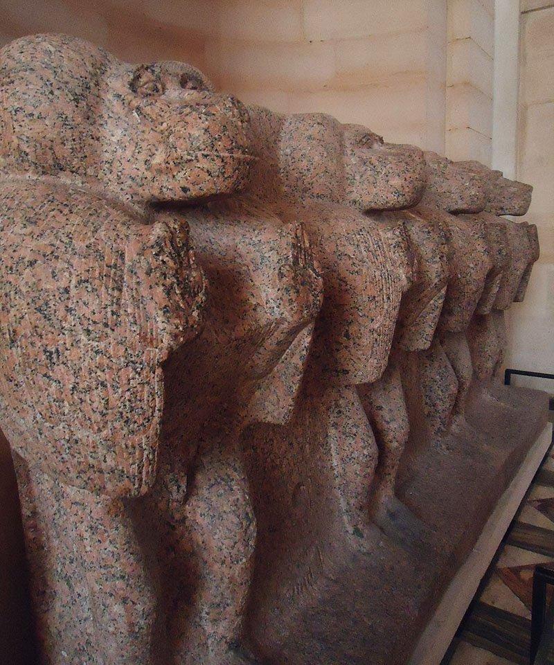 estatuas macacos egito louvre
