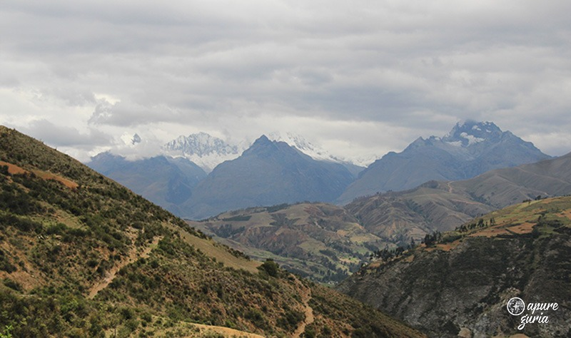 Huascaran Huantsan cordillera blanca laguna Wilcacocha trekking