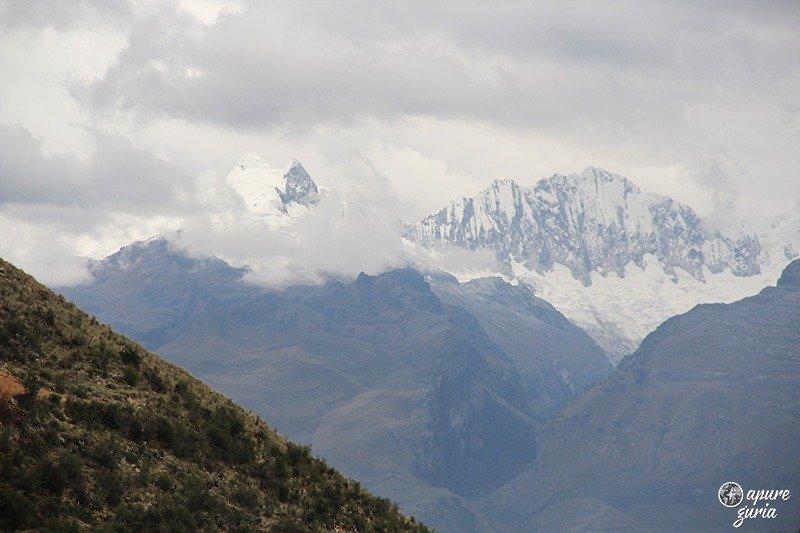 Huascaran Huantsan cordillera blanca laguna Wilcacocha