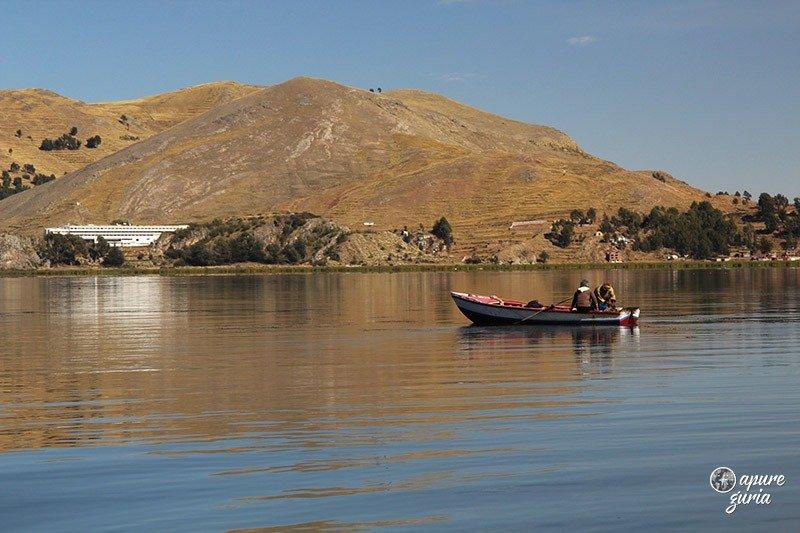 ilhas flutuantes de uros titicaca