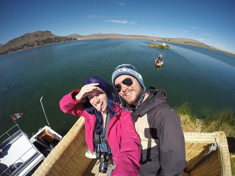 ilhas flutuantes de uros titicaca.