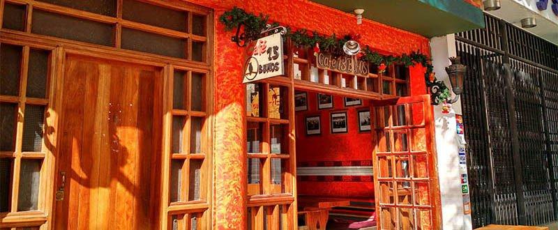 onde comer em huaraz 13 buhos restaurante fachada laranja