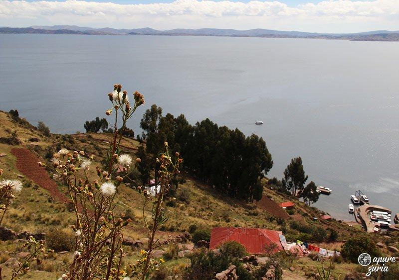 vista ilha taquile lago titicaca